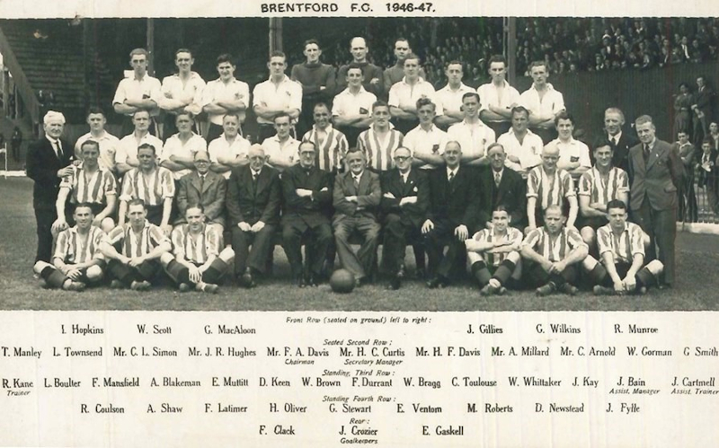 Group photo of the Brentford FC 1946 - 1947 squad