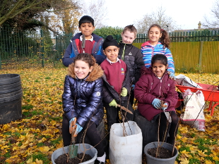 Image of Children from Victoria School in Feltham.