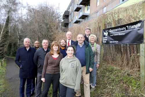 Image of Cllr Curran, Cllr Katherine Dunne and representatives from London Wildlife Trust. Be Living, Lampton 360 and local residents.