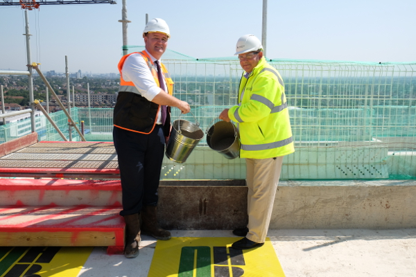 Image of Cllr Steve Curran at the Block D topping out ceremony of High Street Quarter development topping out ceremony.