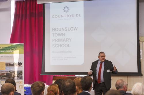 image of Councillor Steve Curran speaking at the School Expansion meeting