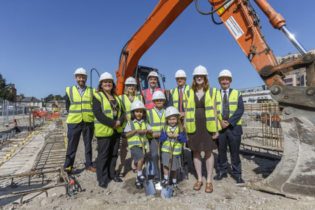 Image of Mayor of Hounslow, Sue Sampson and Cabinet Member for Housing Katherine Dunne at the ground breaking event