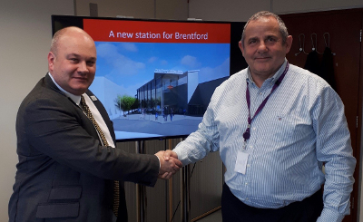 Image of Cllr Steve Curran and Mark Hopwood, Managing Director of Great Western Railway.