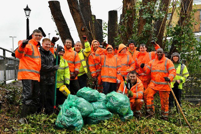Group photo of the team who took part in the Brentford Bridge clear up this morning.