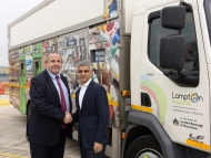 Image of Leader of Hounslow Council, Steve Curran shaking hands with Mayor of London, Sadiq Khan
